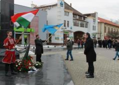 """Nemzeti ünnep Dunaszerdahelyen """"tüntetőleges kivonulással"""""""
