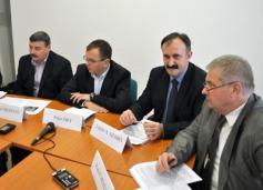 Petíció az ország decentralizált oktatási szerkezetének megtartása és stabilitása érdekében